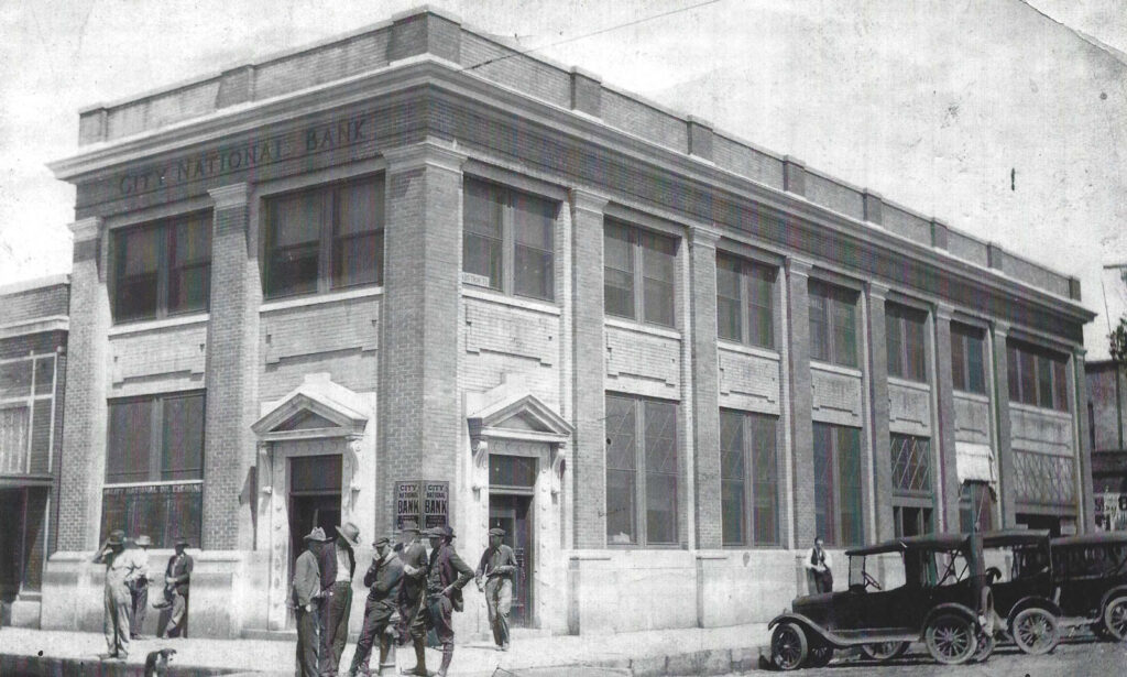 bank building in 1915